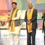 The Minister of State (Independent Charge) for Power, Coal and New and Renewable Energy, Shri Piyush Goyal honouring the meritorious student at the 76th convocation of the Tata Institute of Social Sciences, in Mumbai on May 07, 2016.