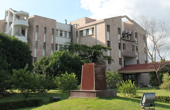 SN Bose National Centre for Basic Sciences Kolkata invites applications for Integrated PhD and PhD programmes for 2017