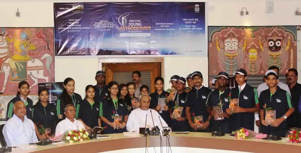 Naveen Patnaik flags off ISRO visit of top 20 Tata Steel Young Astronomer Talent Search 2017 winners
